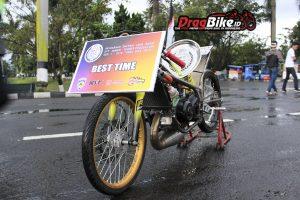 Selain pecahkan rekor, motor ini menjadi Fastest of the day alias motor tercepat di event kejurda drag bike JABAR
