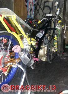 Bebek 200cc DOHC milik YB55